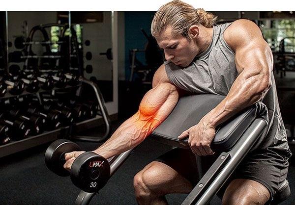 Болят локти после подтягиваний и других упражнений – что делать?